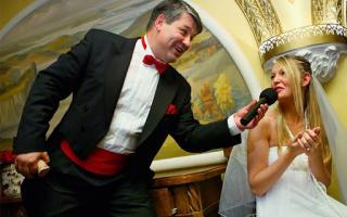 Нанять тамаду на свадьбу